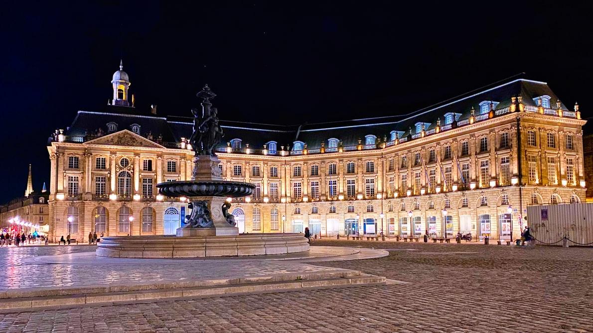 Visit Bordeaux